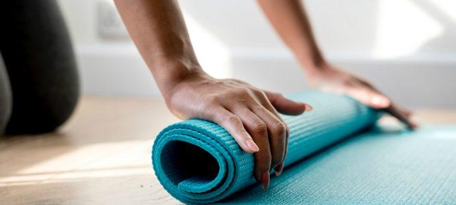 I migliori esercizi dello yoga per ringiovanire il viso